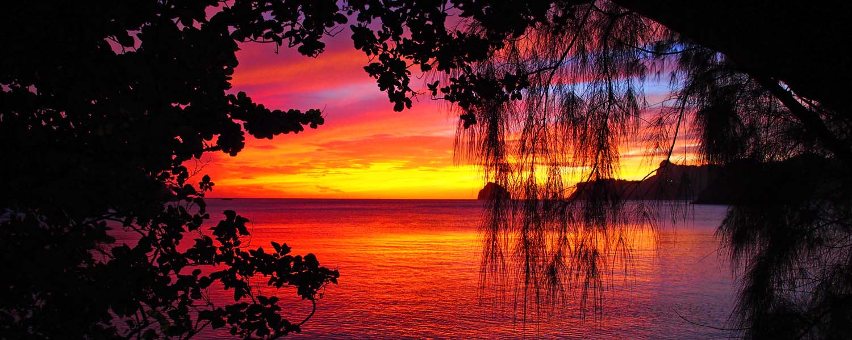 小笠原村諸島の夕陽の写真